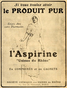 A yellowed clipping of a vintage ad for Aspirin in a French newspaper in Paris with text in french and a line drawing of a nurse dropping aspirin into a glass.